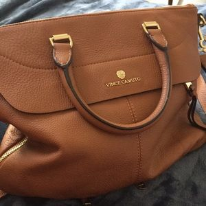 Vince Camuto HB